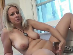 tube kitty hot mom